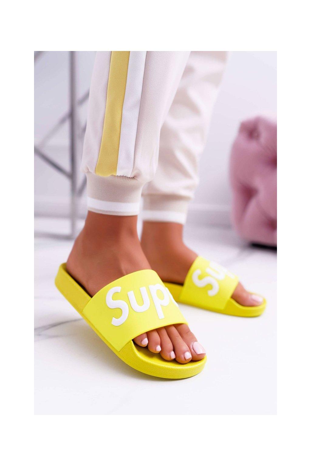 Dámske šľapky farba žltá kód obuvi CK110 L.YELLOW