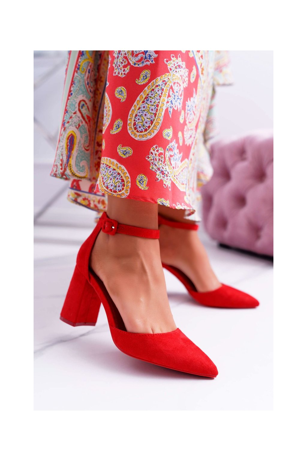 Dámske lodičky farba červená kód obuvi LL186 RED