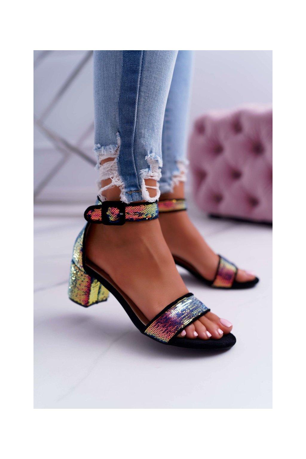 Dámske sandále na podpätku farba čierna kód obuvi FC-6717 BLK/GREEN