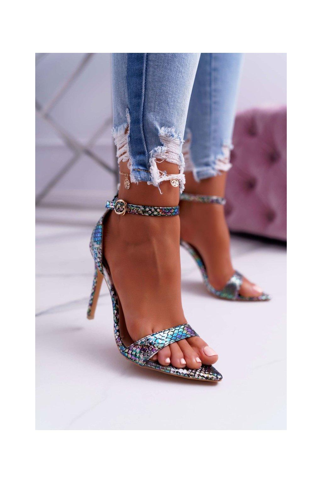 Dámske sandále na podpätku farba viacfarebná kód obuvi B0982-2B GREEN