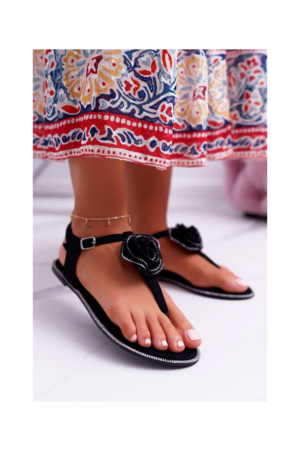 Dámske šľapky farba čierna kód obuvi 100-960 BLK