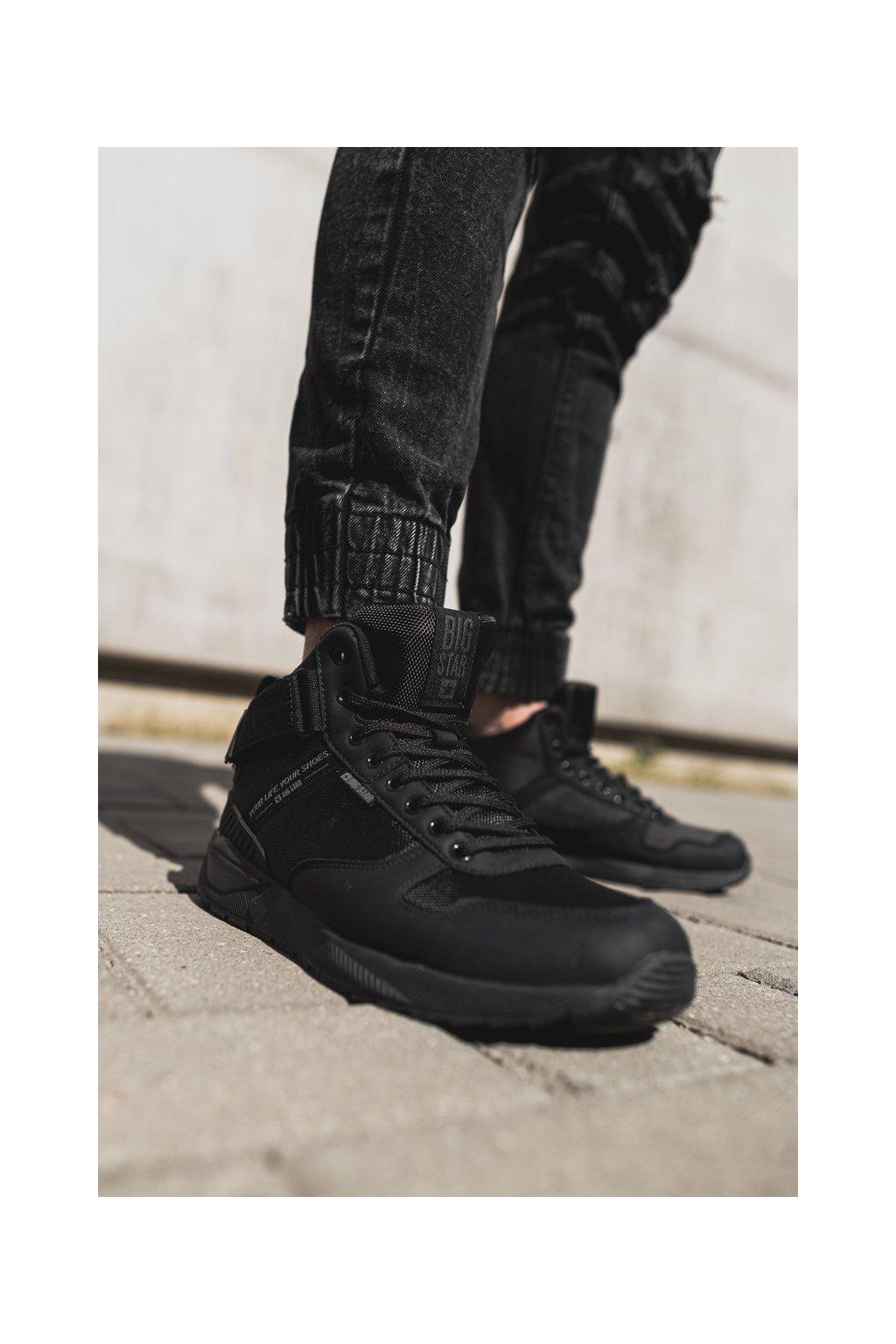 Čierna obuv kód topánok EE174461 BLK