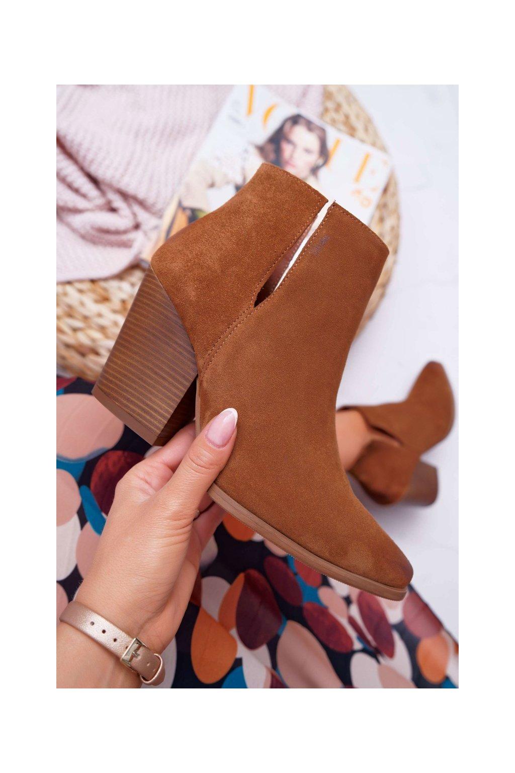 Členkové topánky na podpätku farba hnedá kód obuvi 2430 COGNAC/W
