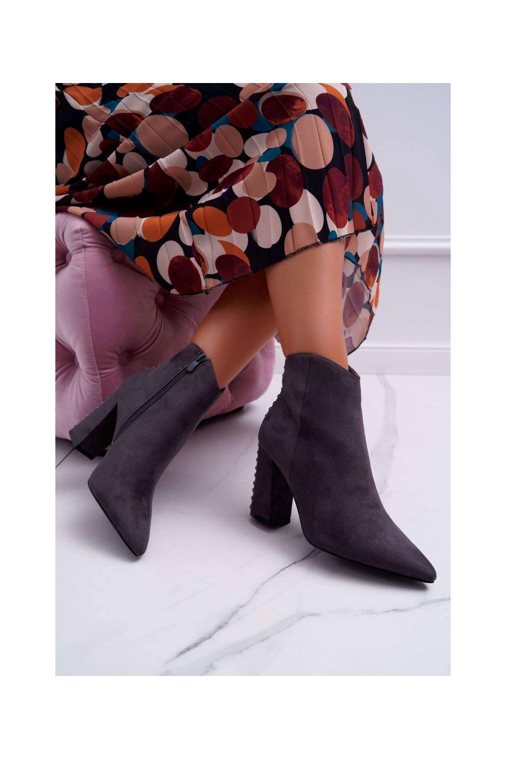 Členkové topánky na podpätku farba sivá kód obuvi RB23P GREY