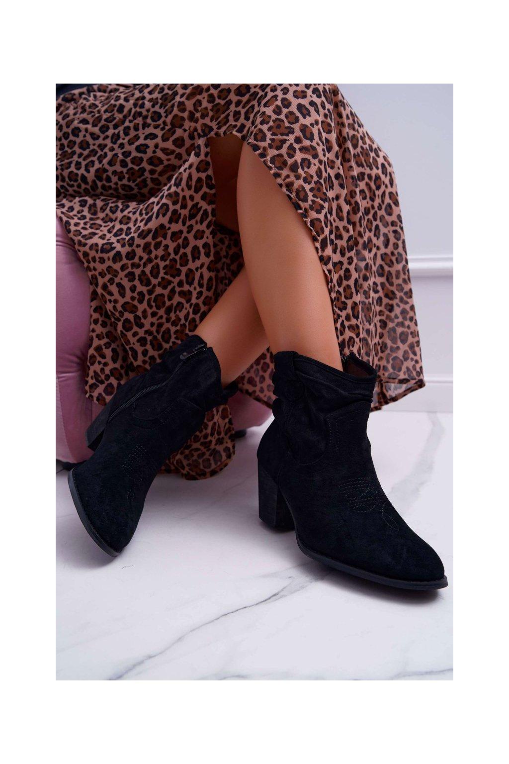 Členkové topánky na podpätku farba čierna kód obuvi SA-3339 BLK