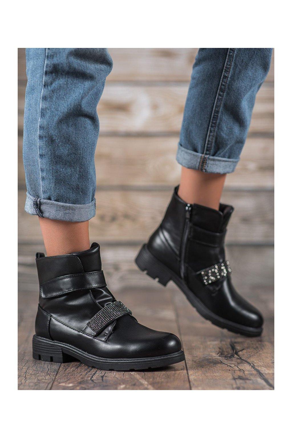 Čierne dámske topánky Evento kod 7BT35-0006B