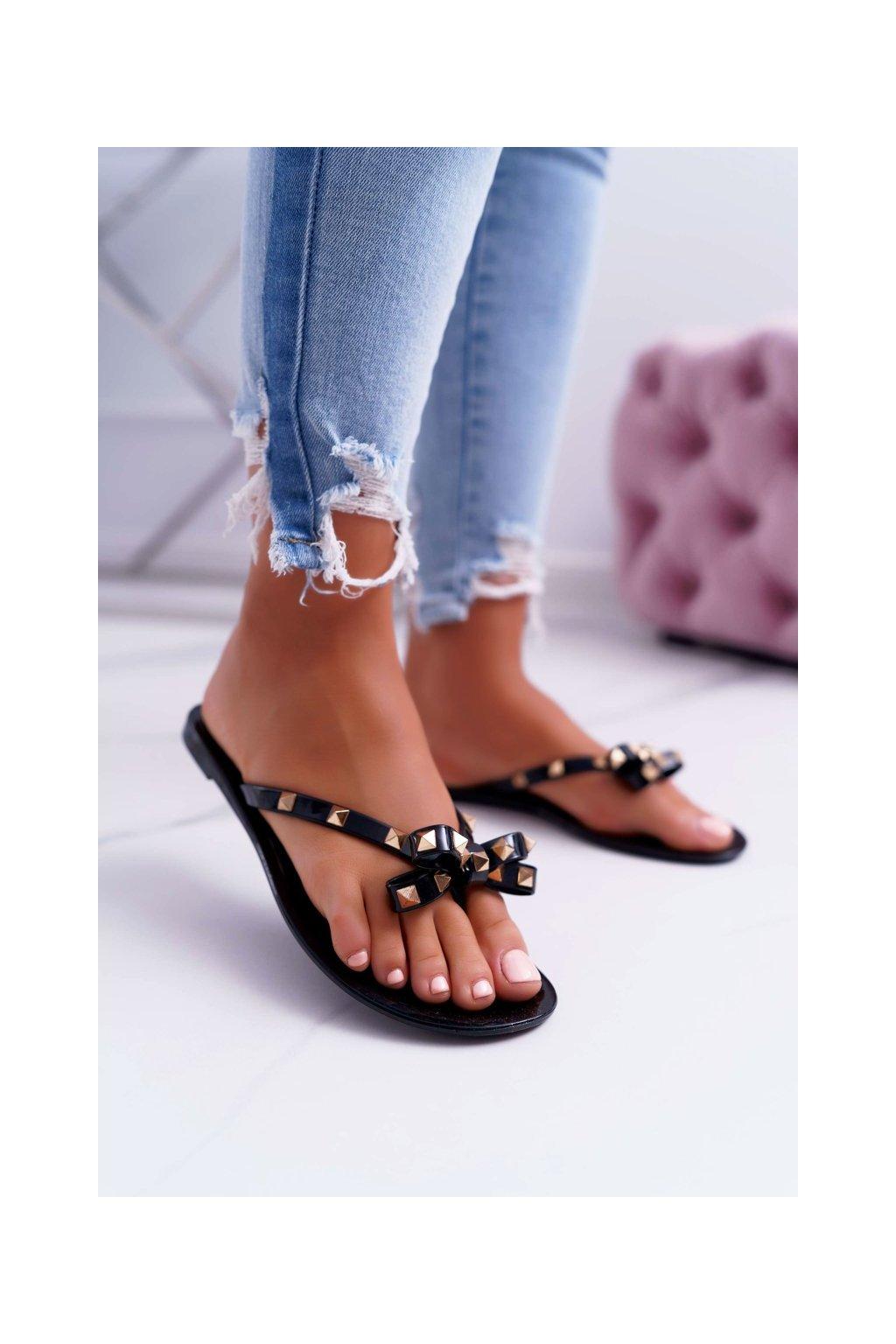 Dámske šľapky farba čierna kód obuvi ZY86-002-15 BLK