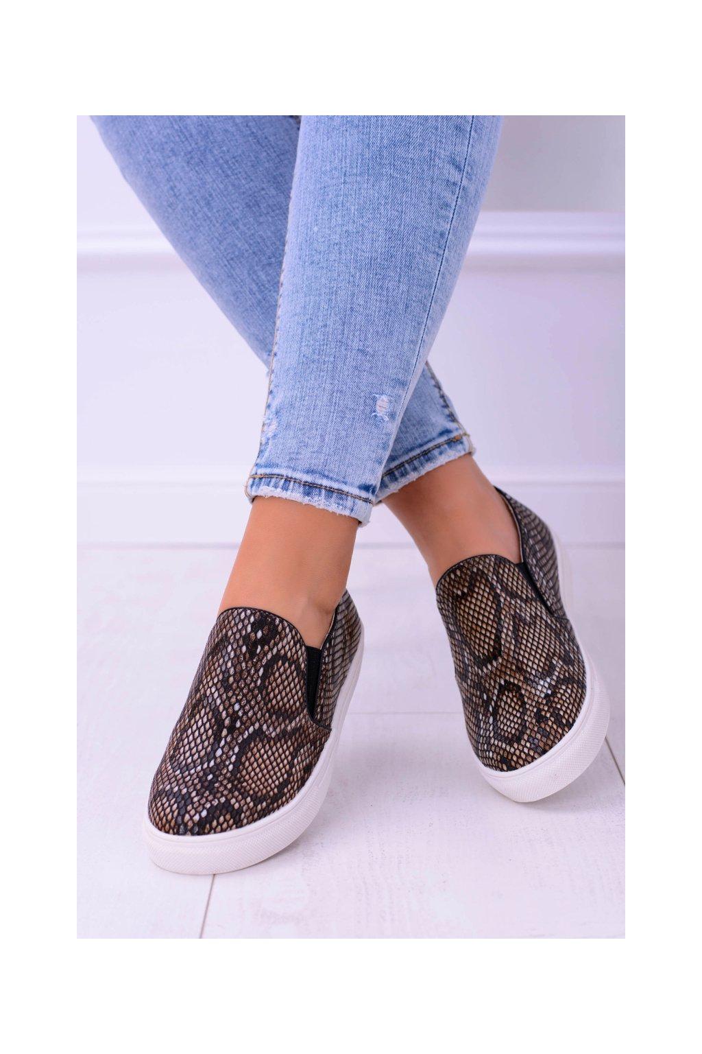 Hnedé vsuvky Sneakers Slip na Snake Skin