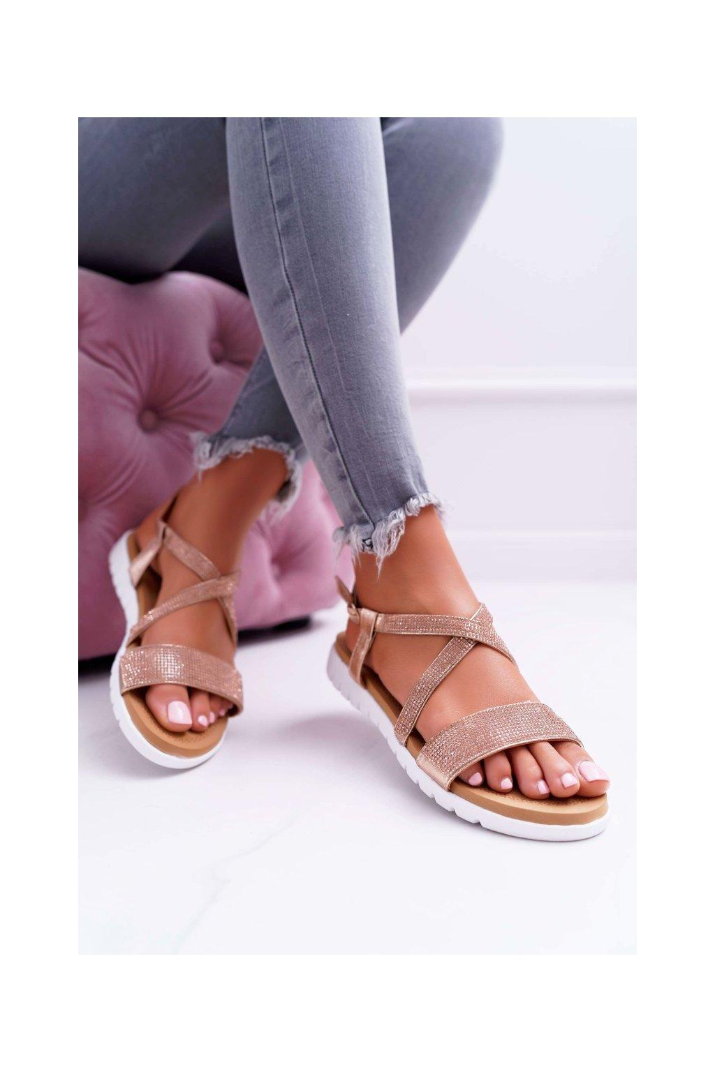 Dámske sandále s plochou podrážkou farba ružová kód obuvi 406-5 CHAMPAGNE