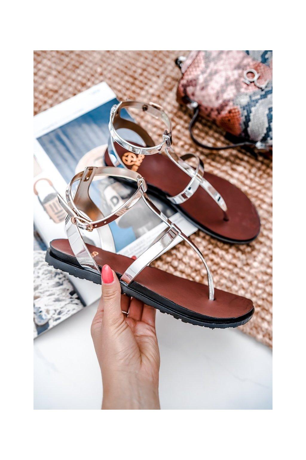 Dámske sandále s plochou podrážkou farba sivá kód obuvi LS01 SILVER