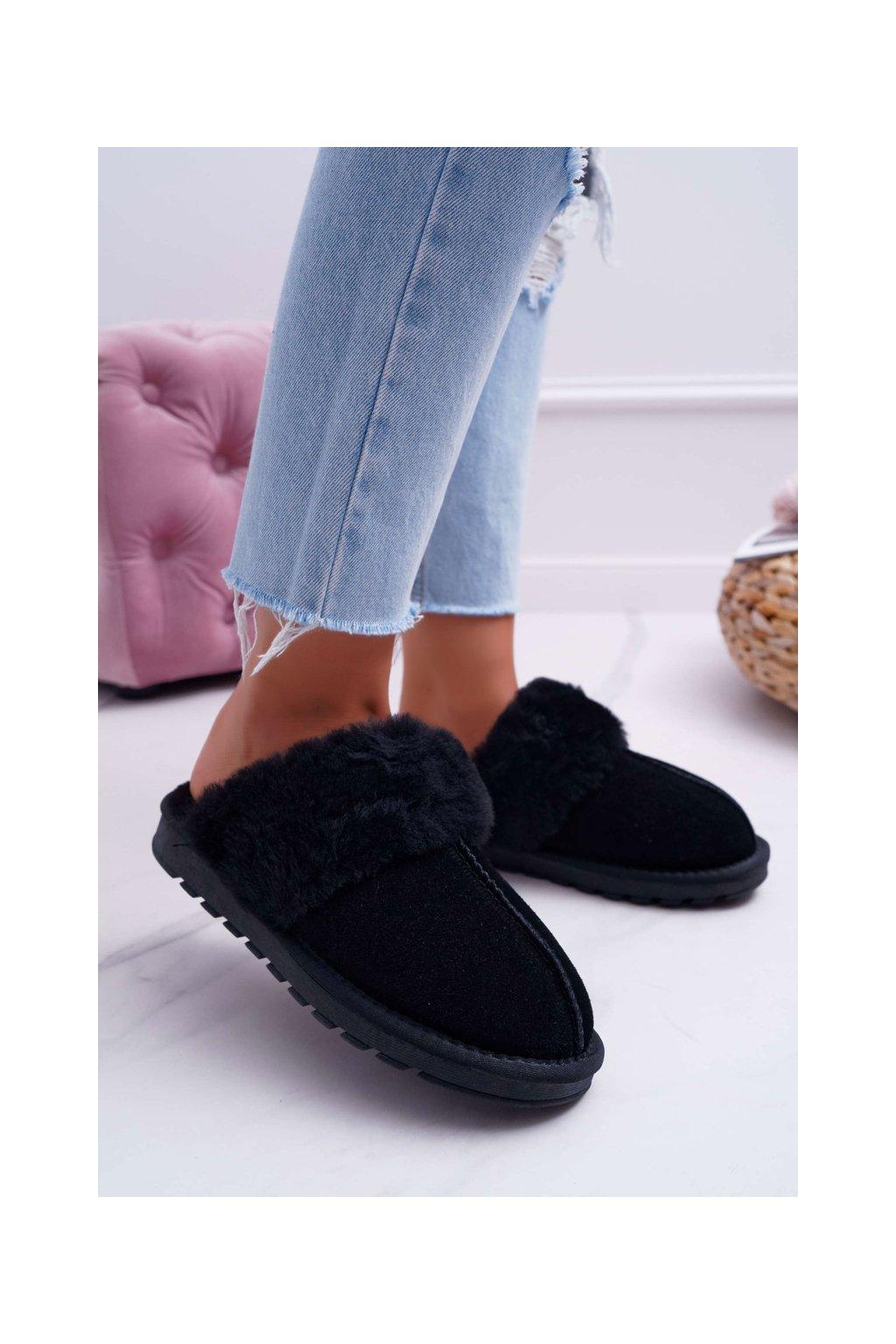Dámske šľapky farba čierna kód obuvi 19215 BLK