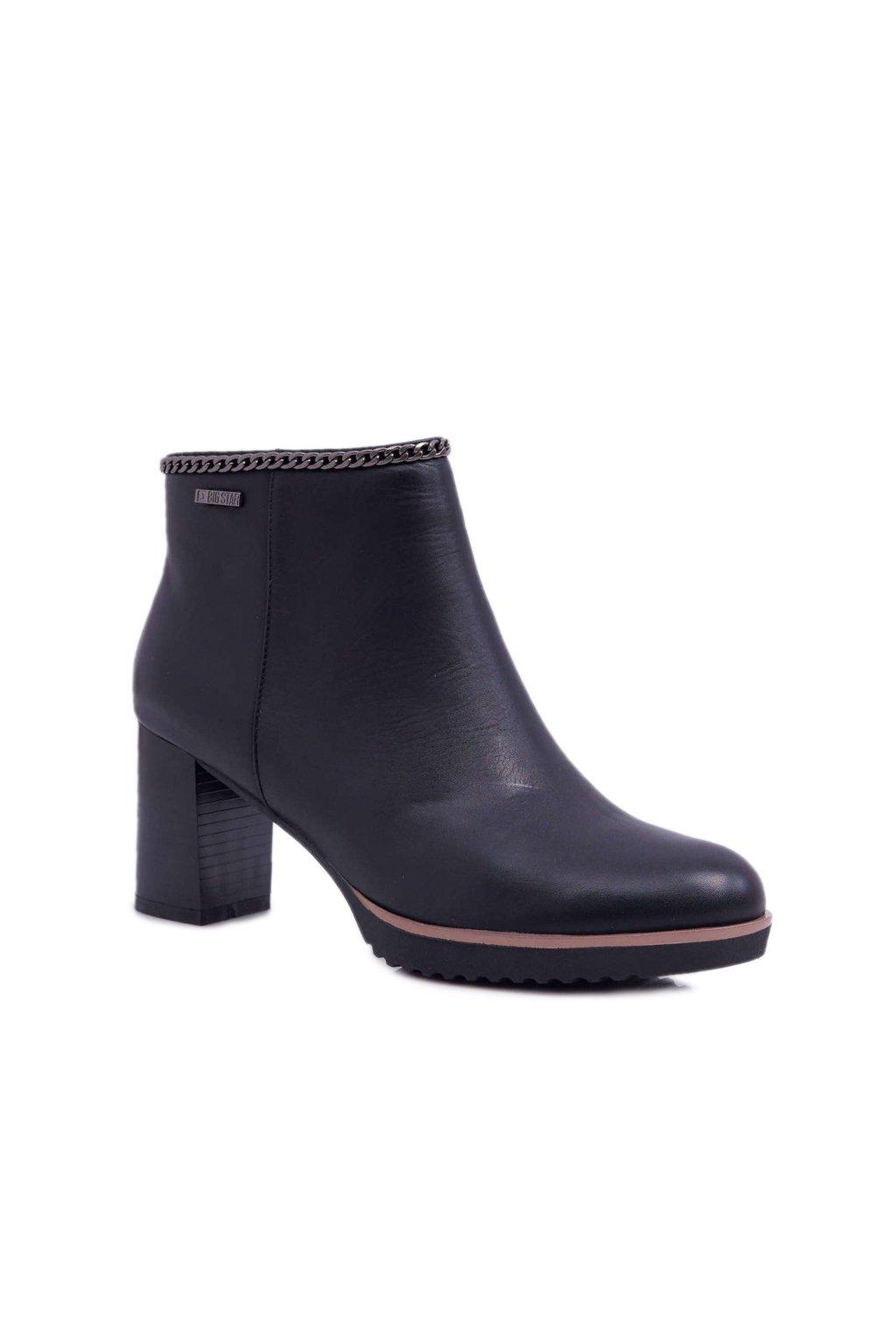 Členkové topánky na podpätku farba čierna kód obuvi BB274618 BLK