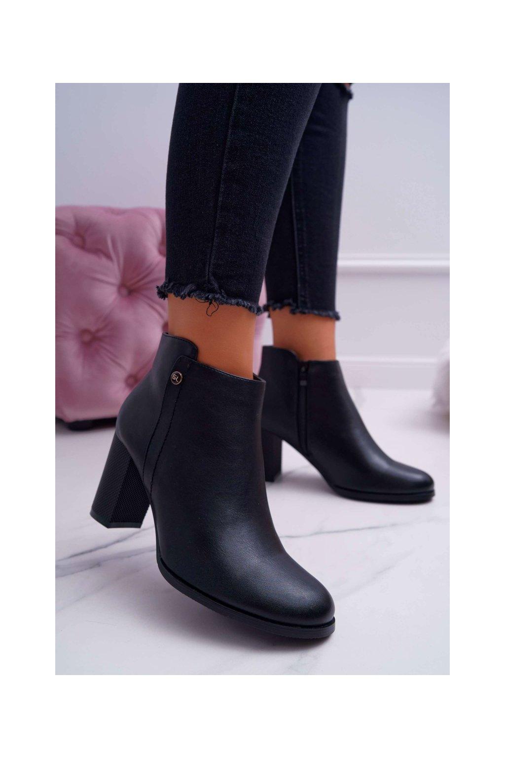 Členkové topánky na podpätku farba čierna kód obuvi BT518 BLK PU