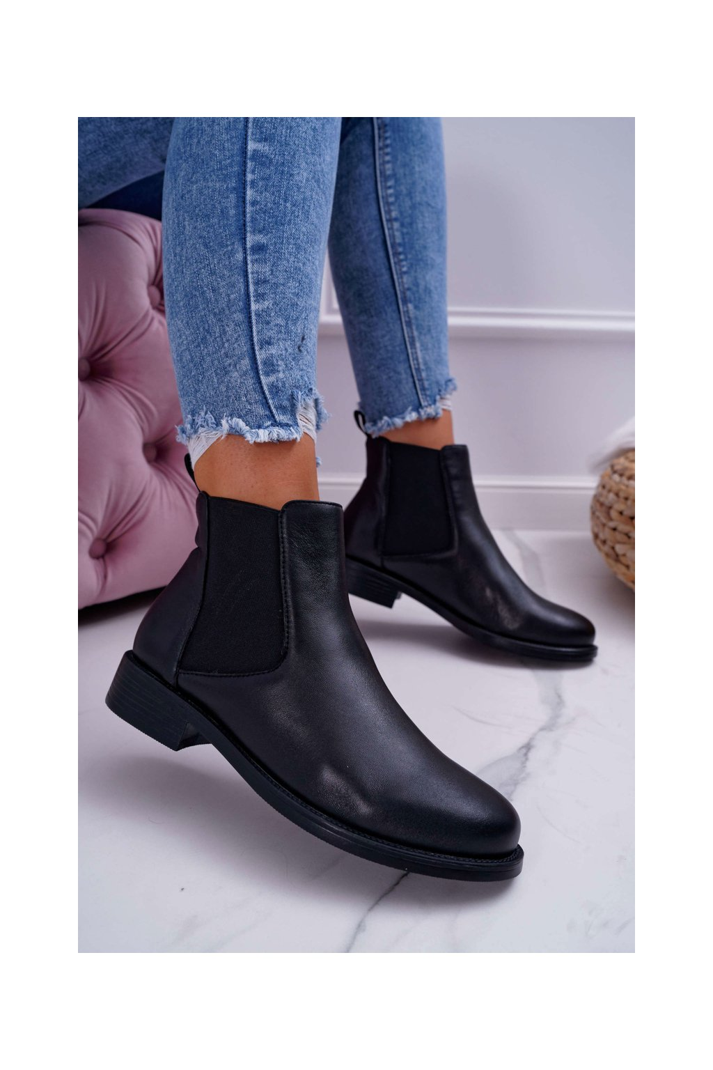 Členkové topánky na podpätku farba čierna kód obuvi W1901-1 BLK