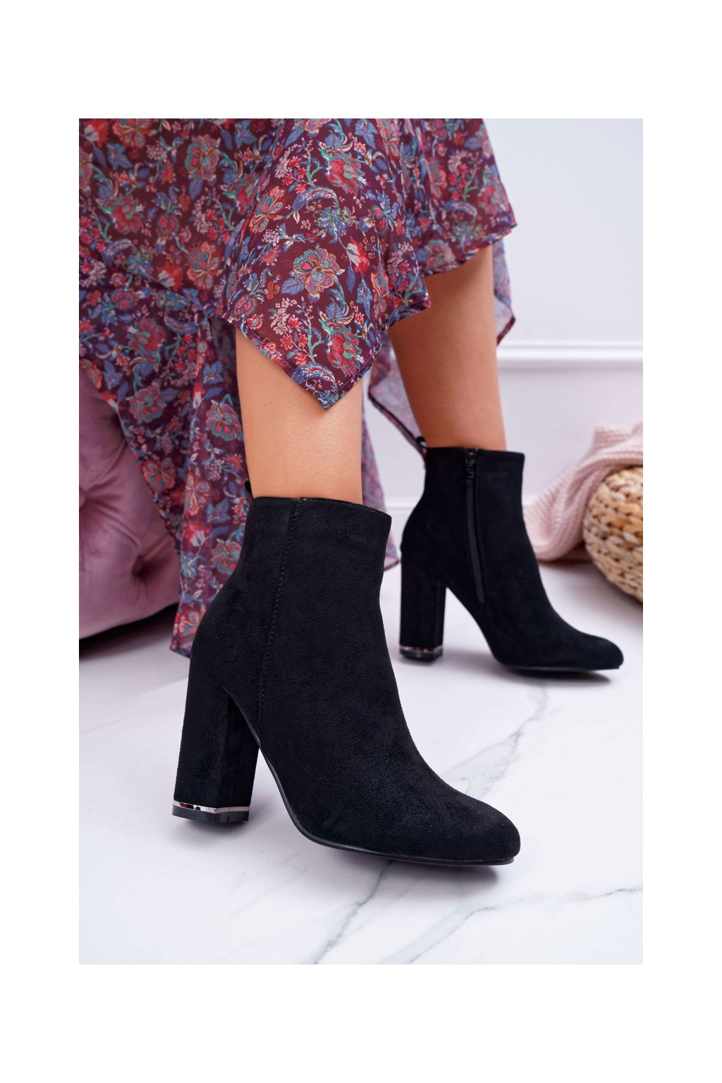 Dámske členkové topánky na podpätku čierne Sadie