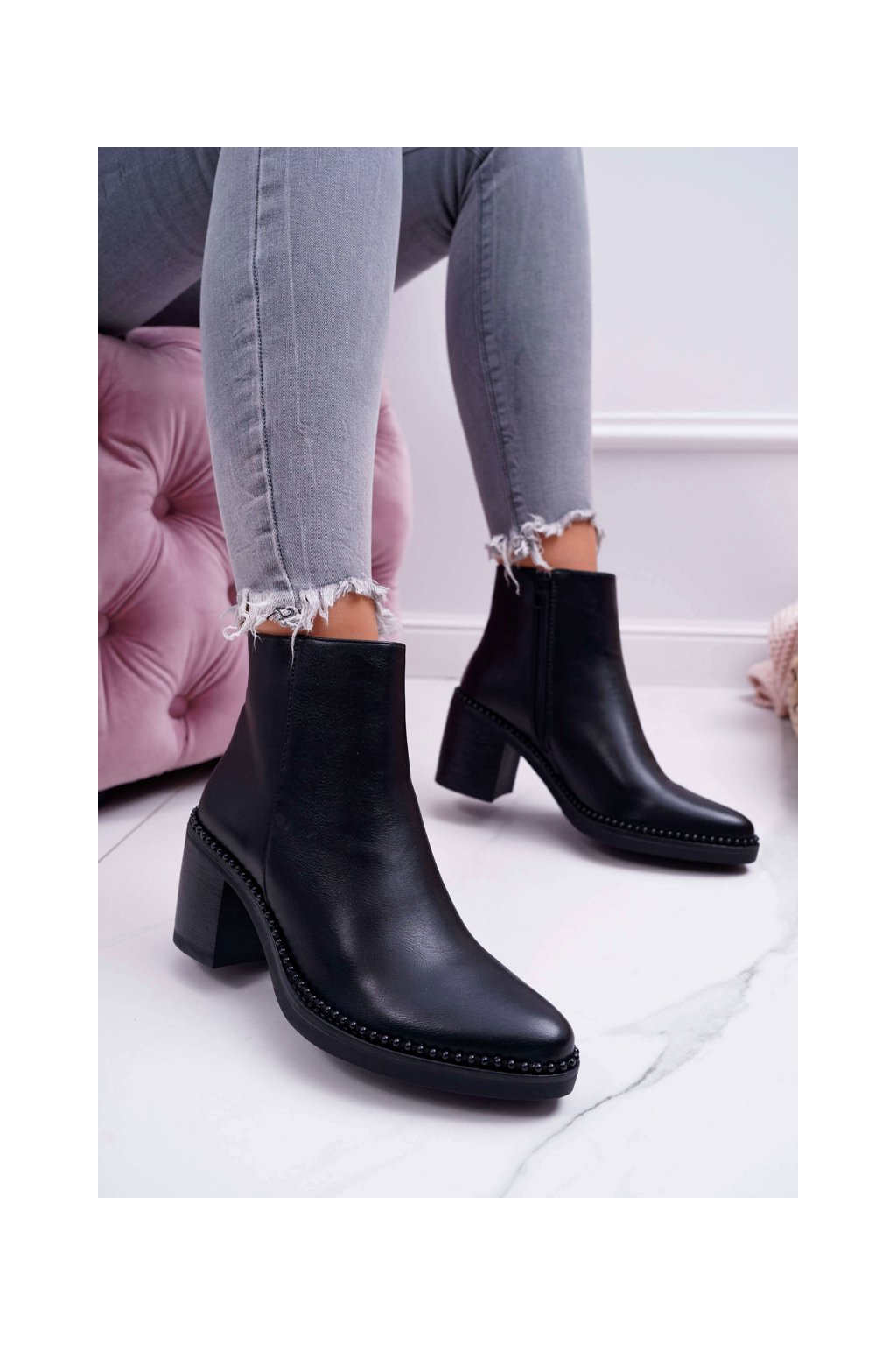 Dámske členkové topánky na podpätku zateplené čierne Duo