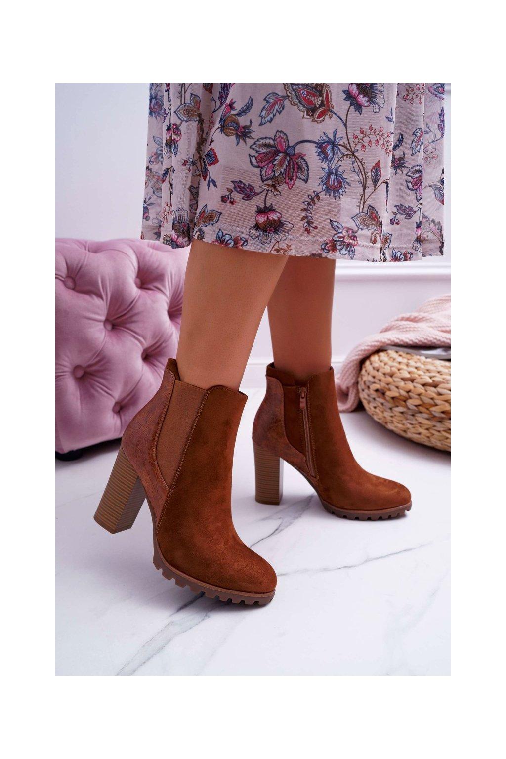 Členkové topánky na podpätku farba hnedá kód obuvi C688 CAMEL