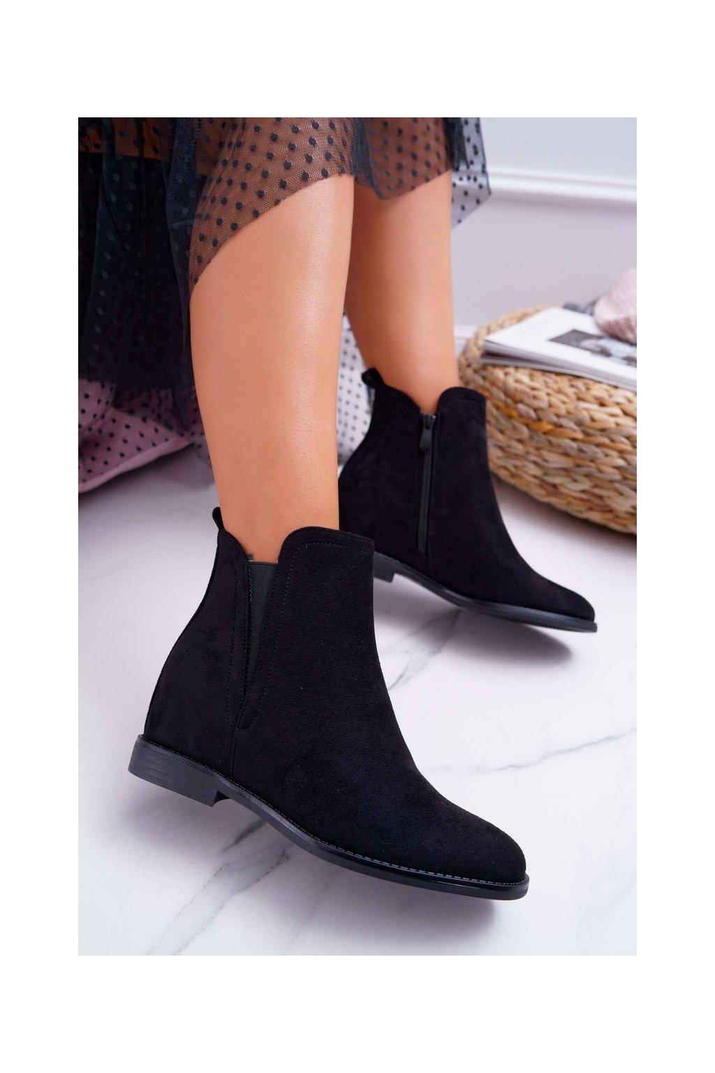 Dámske členkové topánky na kline čierne Tema