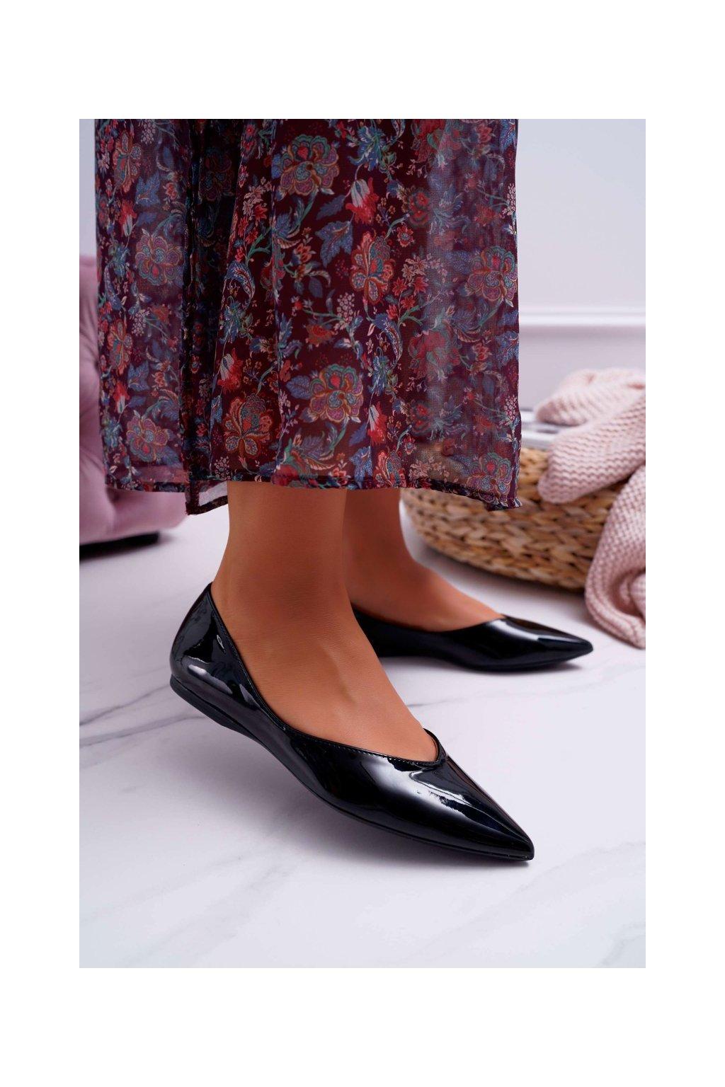 Dámske balerínky farba čierna kód obuvi MM506 BLK