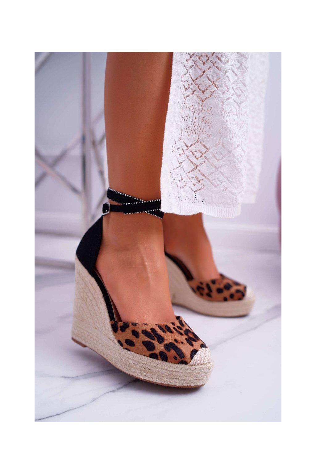 Dámske sandále na klíne Leopard Canterola 100-932 LEO