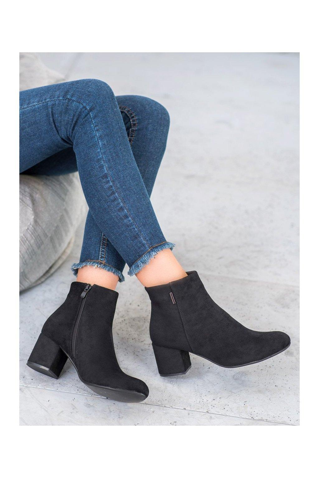 Čierne dámske topánky na hrubom podpätku J. star kod A9312-1B