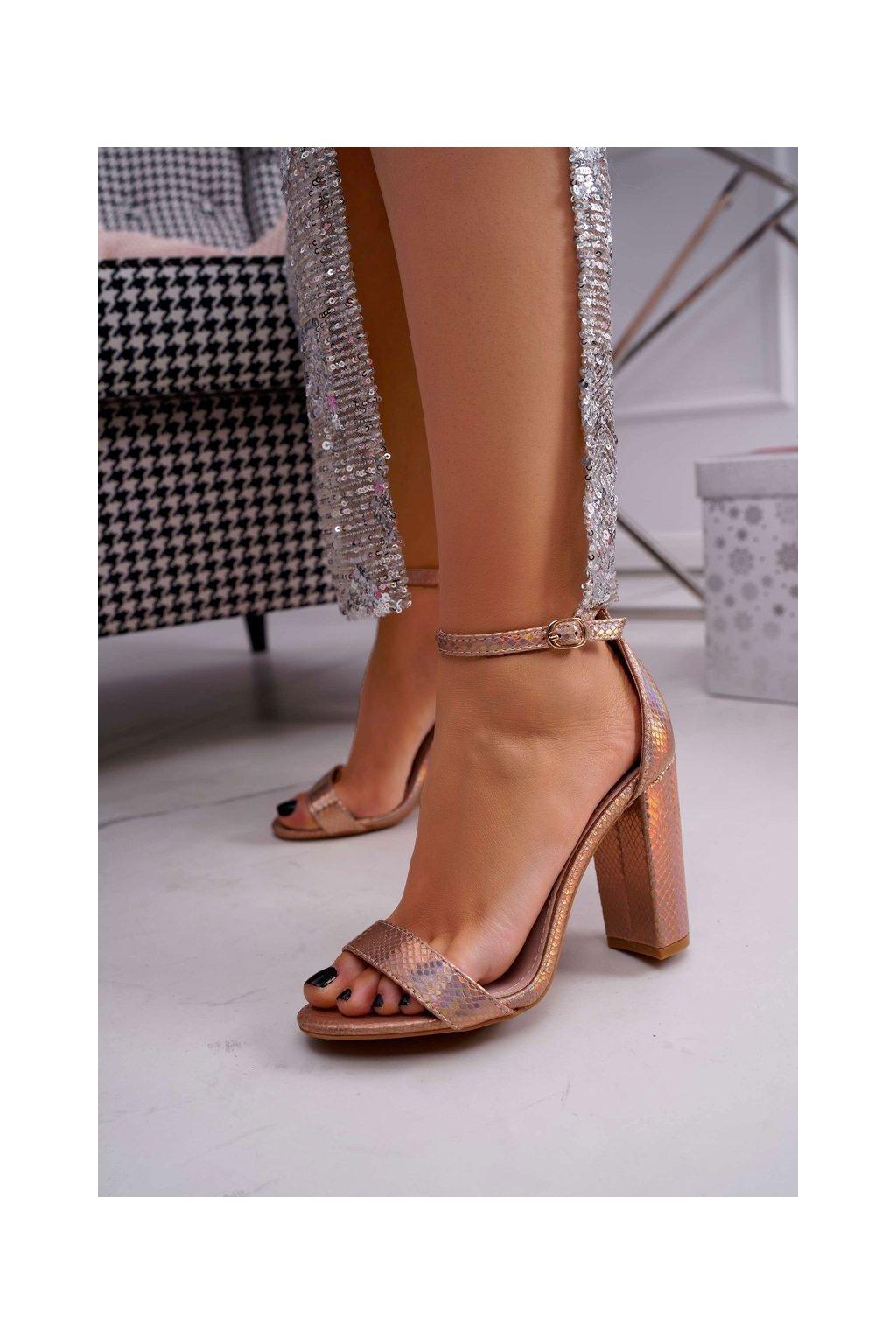 Dámske sandále na podpätku opalescentné Champagne Bipper