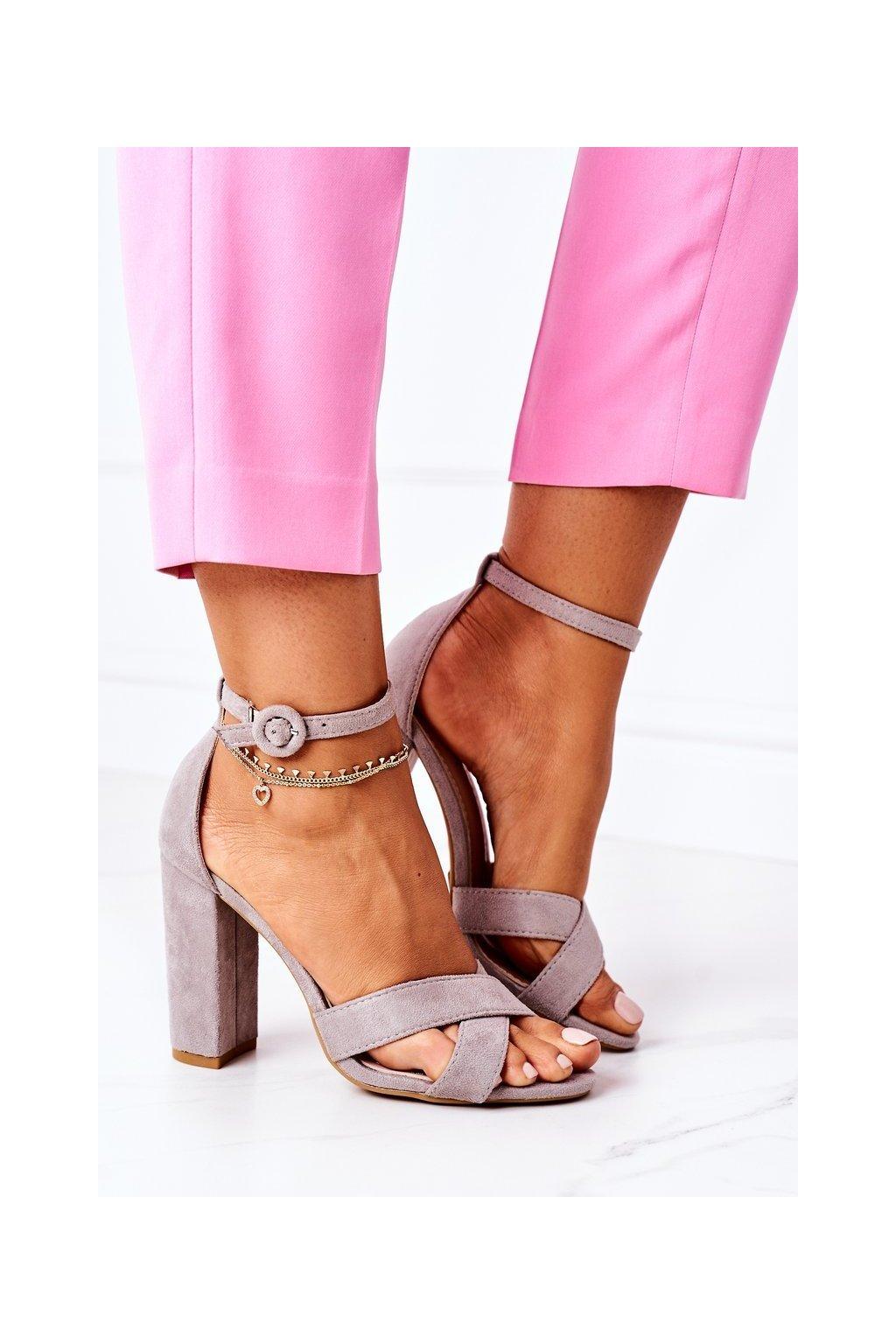 Dámske Sandále na podpätku semišové sivé Telmen
