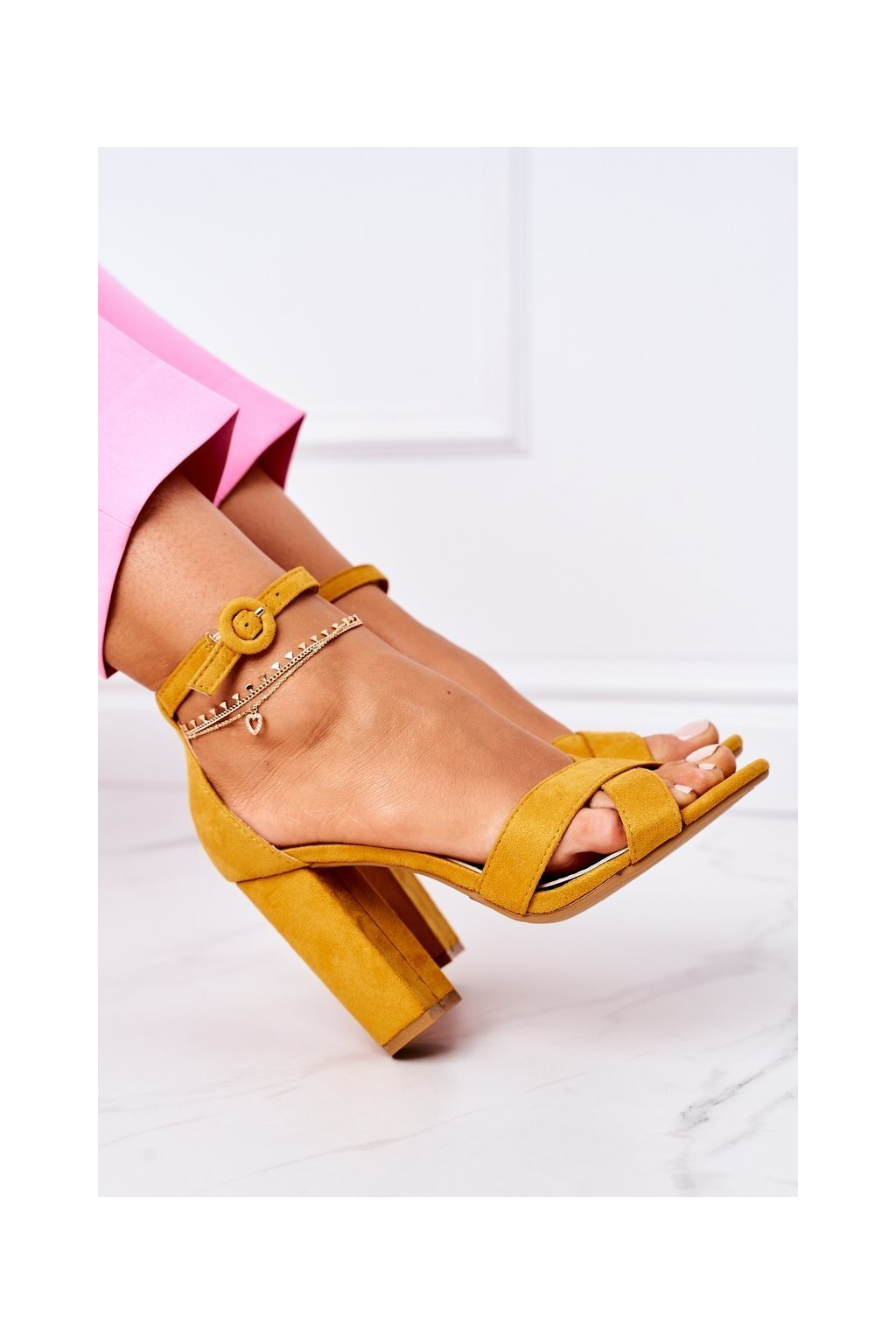 Dámske Sandále na podpätku sermišové žlté Telmen