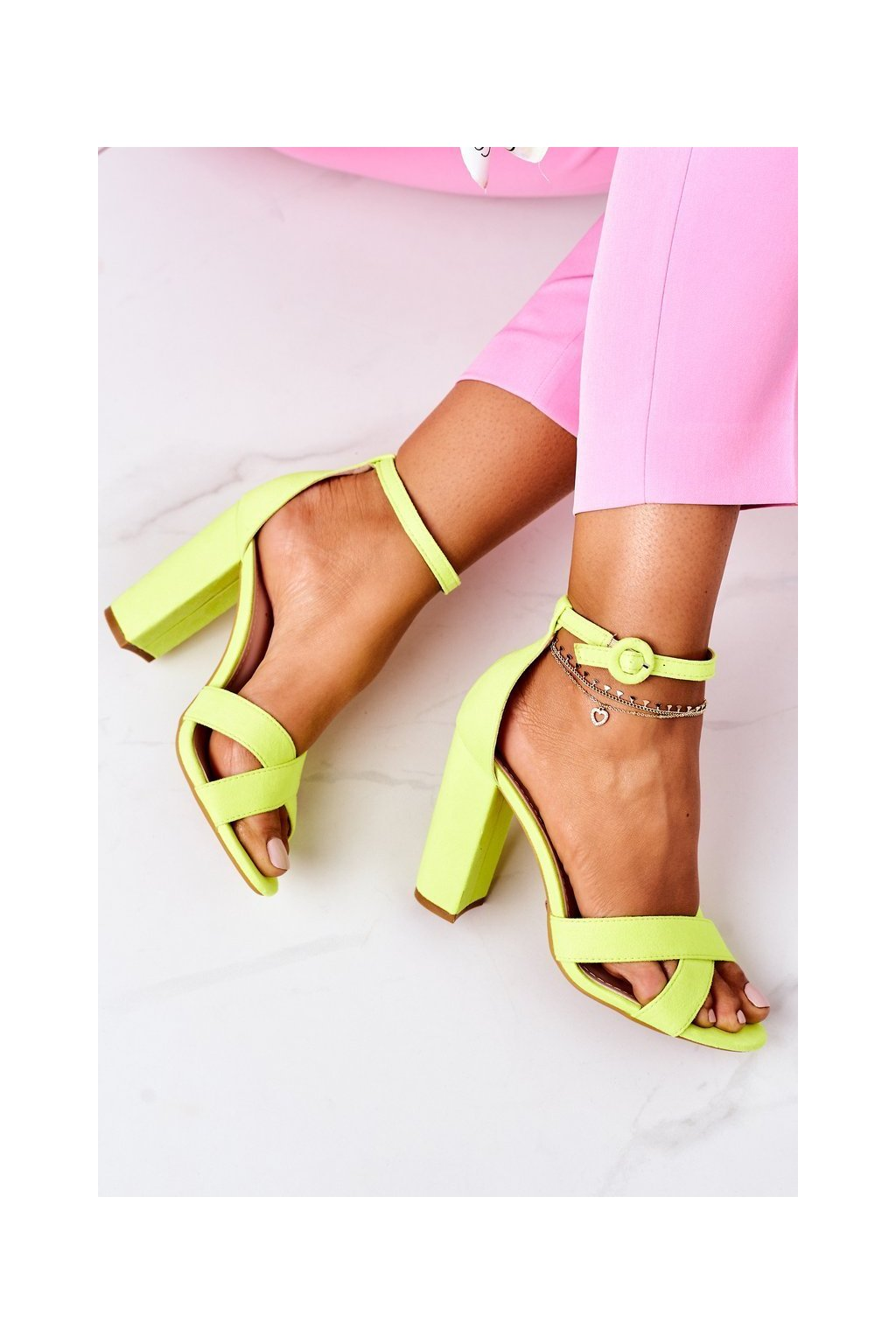 Dámske sandále na podpätku farba žltá kód obuvi TU133 FLUO YELLOW