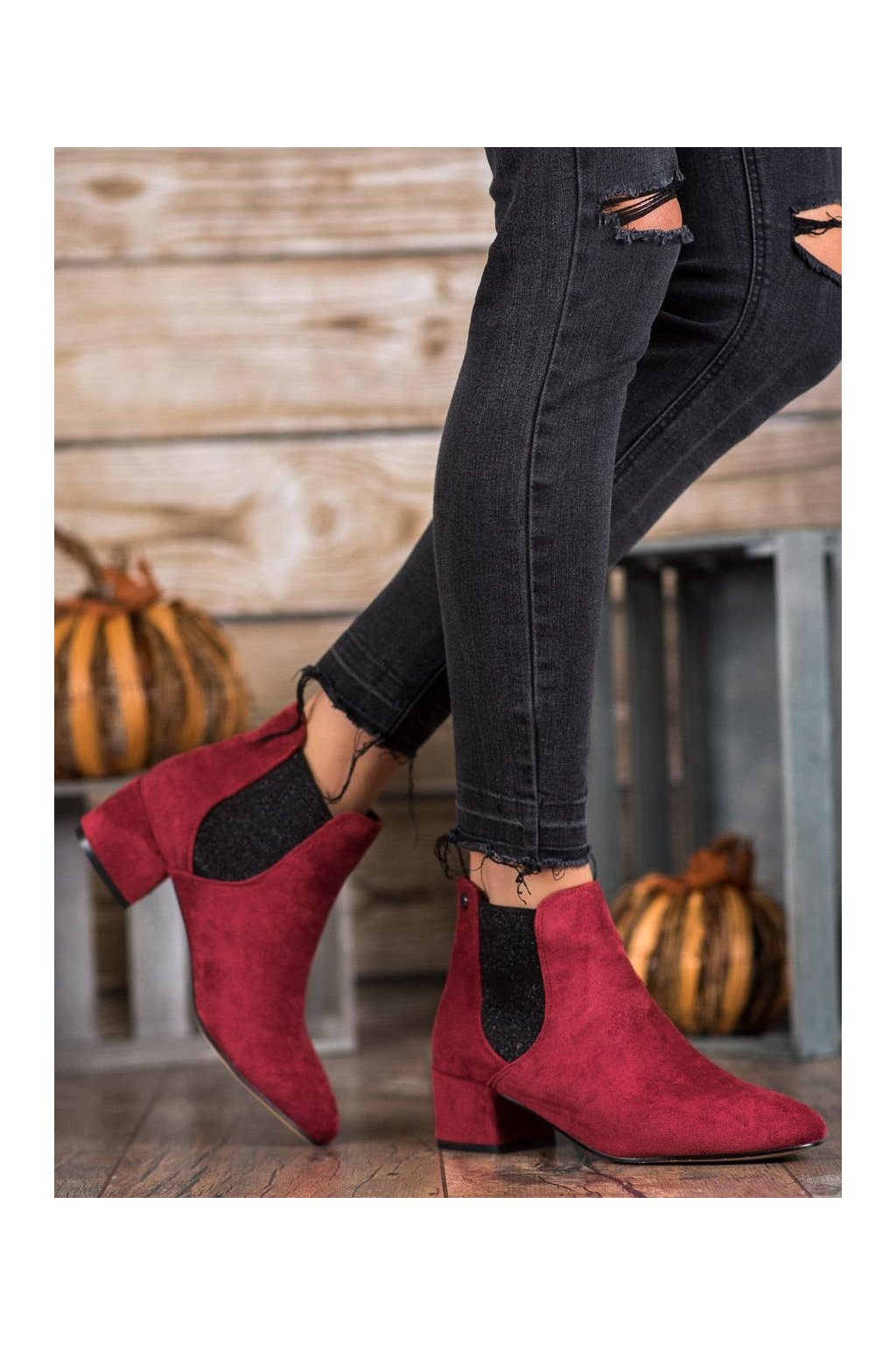 Červené dámske topánky na hrubom podpätku Ideal shoes kod B-6858WI