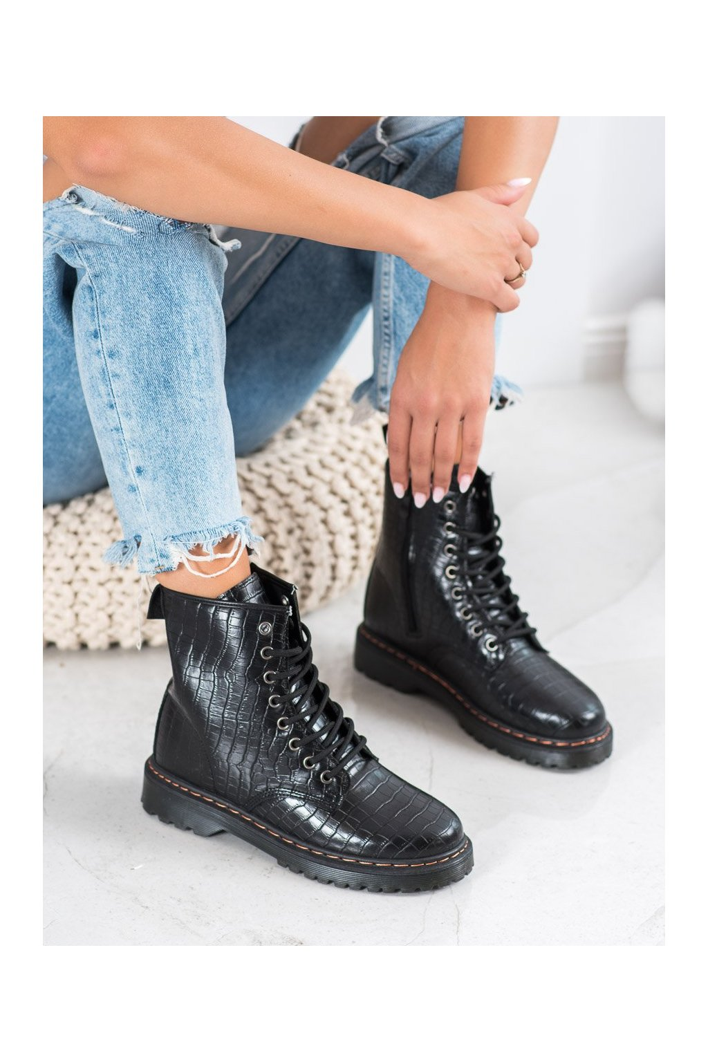 Čierne dámske topánky Shelovet kod DJH01B-B