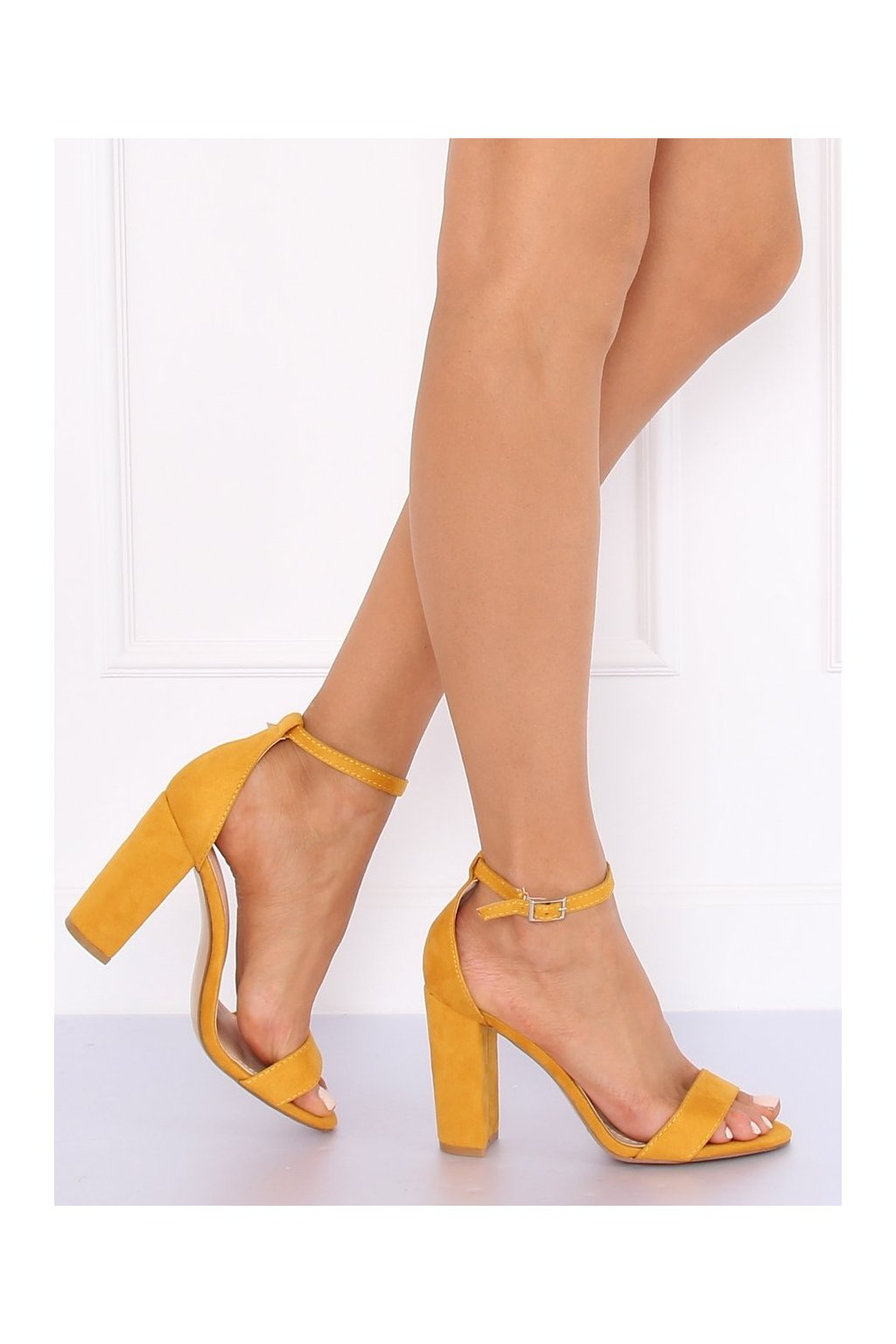 Damske sandále žlté na stĺpovom podpätku Y2385-27