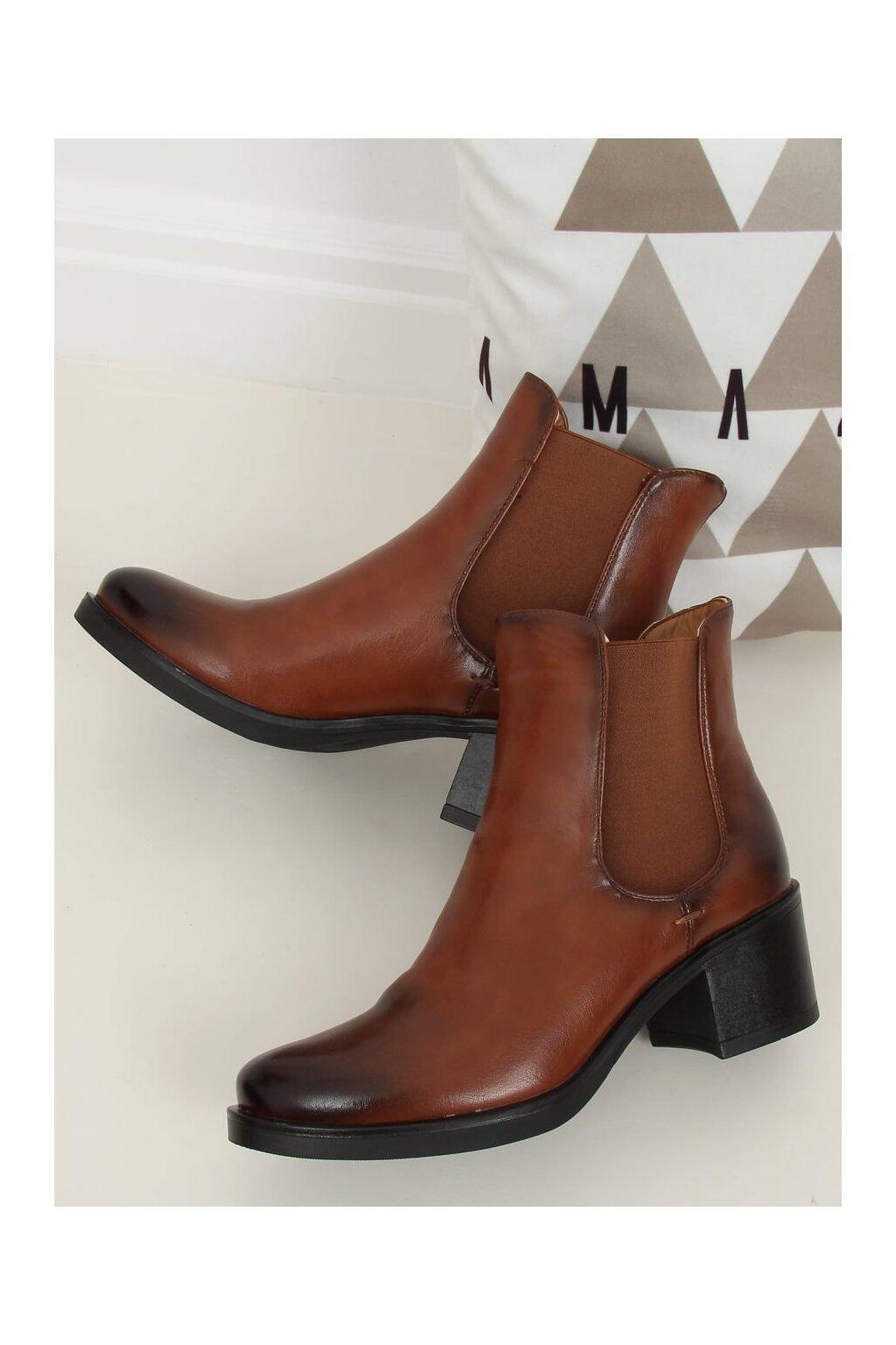 Dámske členkové topánky hnedé na širokom podpätku AT673-6