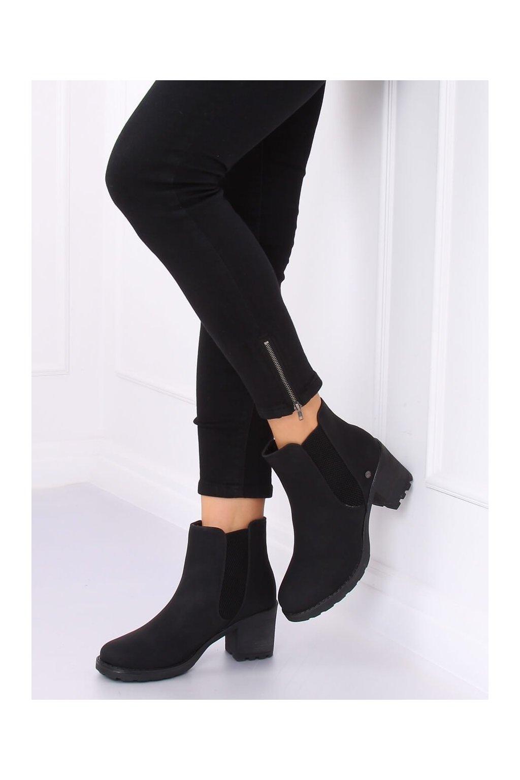 Dámske členkové topánky čierne na širokom podpätku L2065