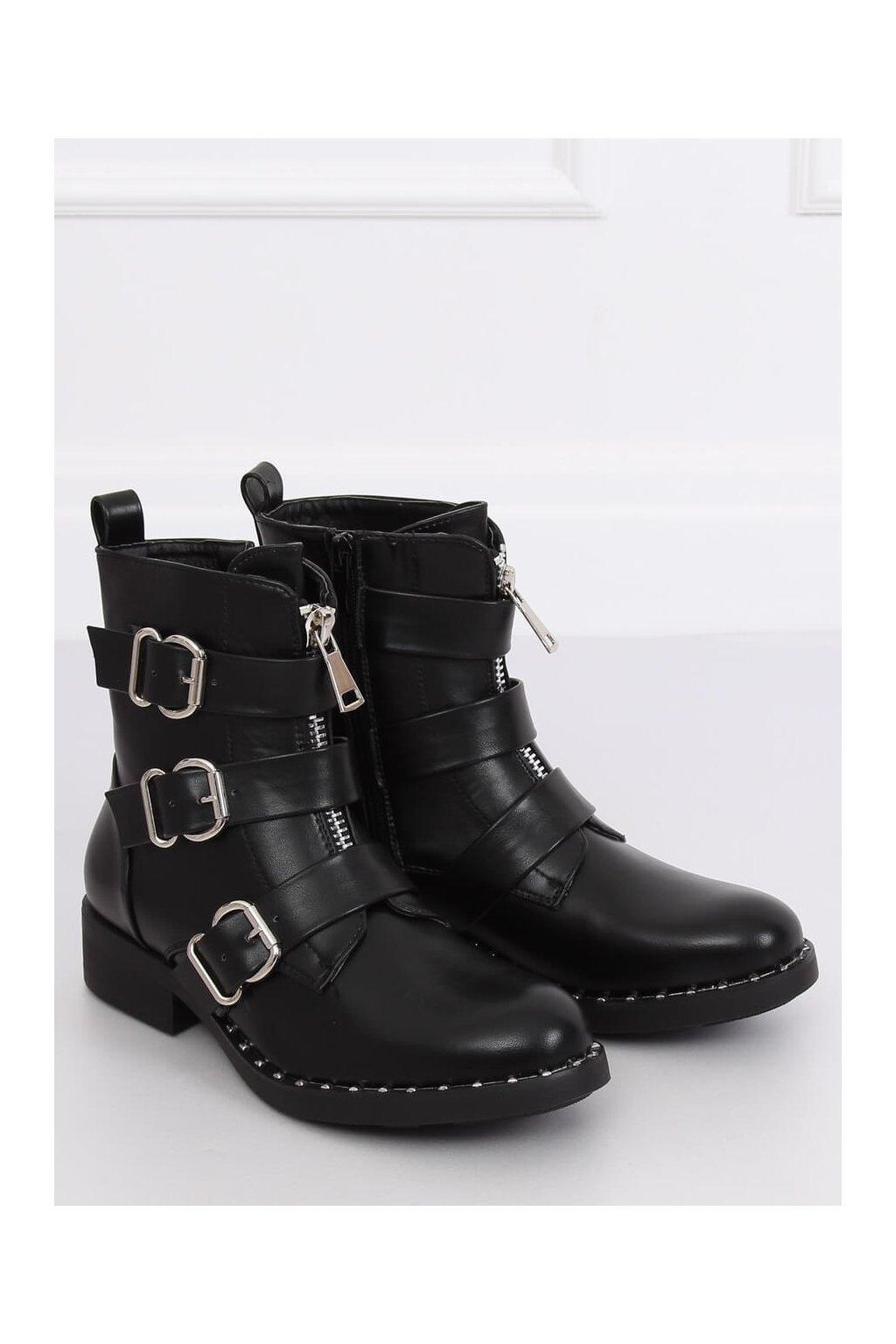 Dámske členkové topánky čierne na plochom podpätku NC851