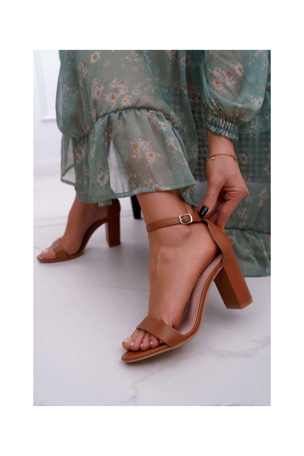 Dámske sandále na podpätku farba hnedá kód obuvi NF60 CAMEL