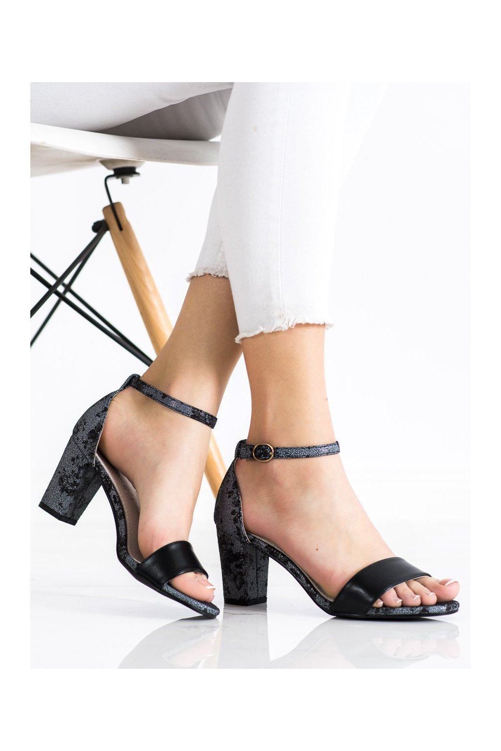 Čierne sandále Goodin kod GD-FL281B