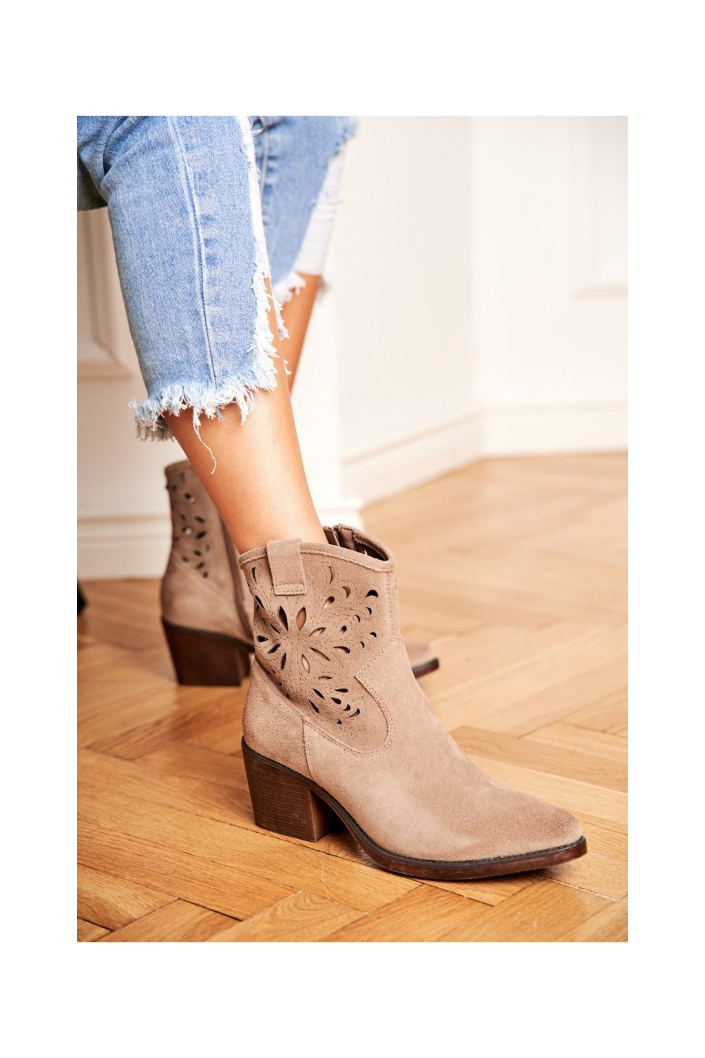 Členkové topánky na podpätku farba hnedá kód obuvi 12622-20 KHAKI