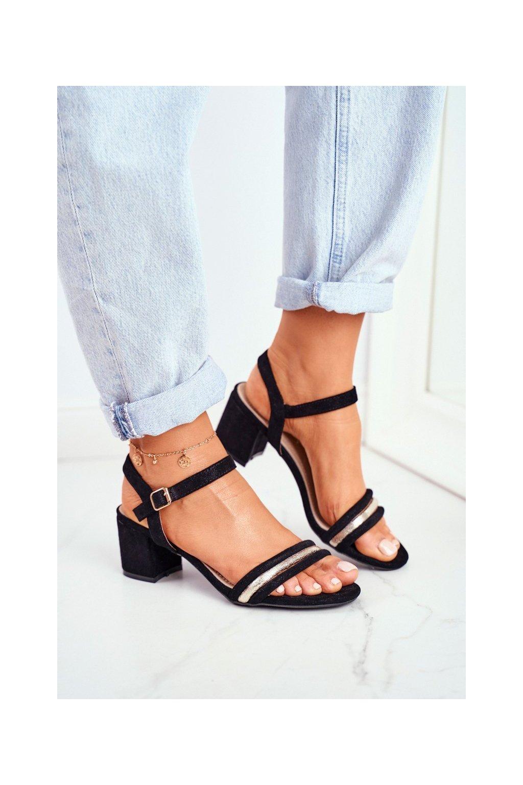 Dámske sandále na podpätku farba čierna kód obuvi 3445-2 BLK