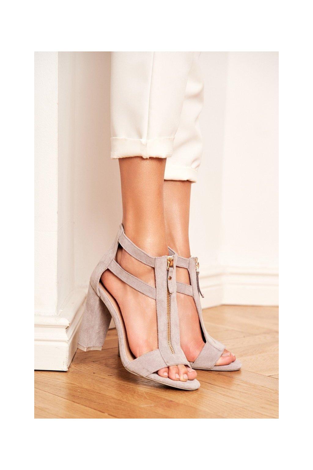 Dámske sandále na podpätku farba sivá kód obuvi LE070P GREY