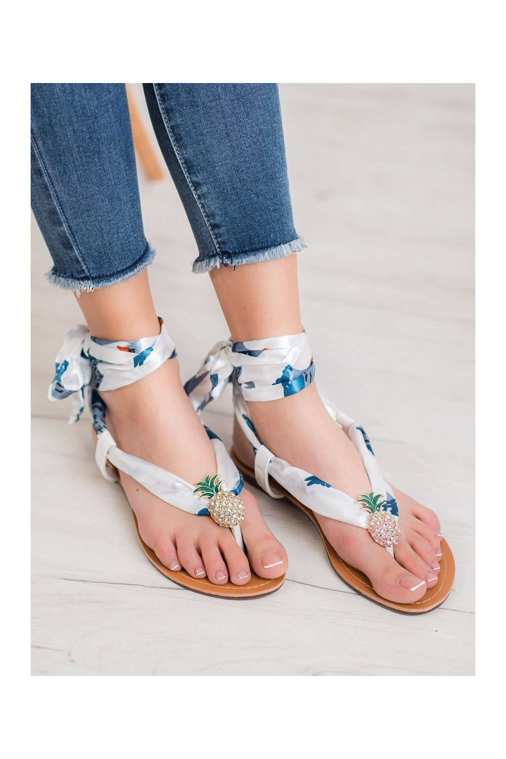 Biele sandále Shelovet kod PM12W