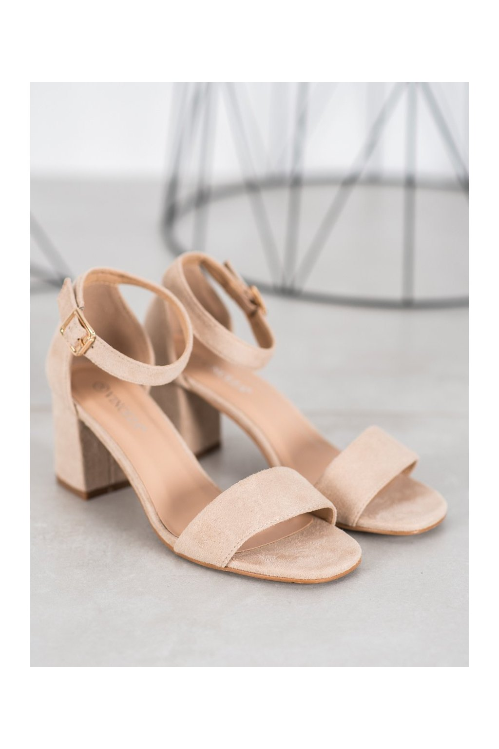 Hnedé sandále Vinceza kod YQE20-17058BE
