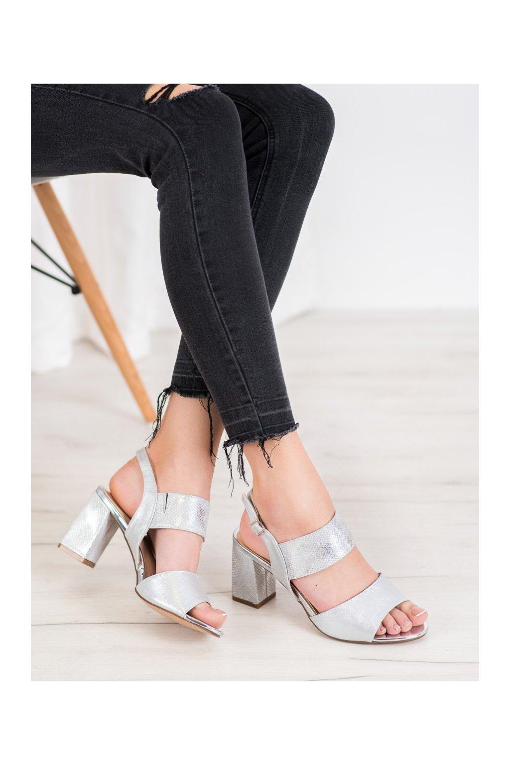 Sivé sandále na podpätku Vinceza kod YQE20-17081S