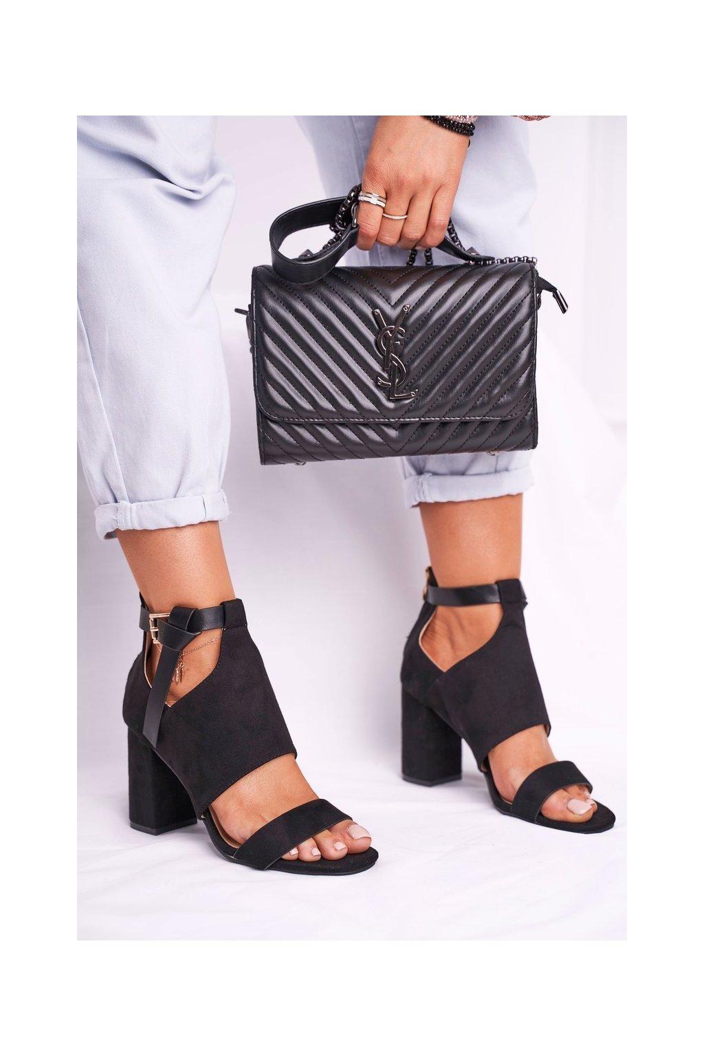 Dámske sandále na podpätku farba čierna kód obuvi 20-17054 BLK