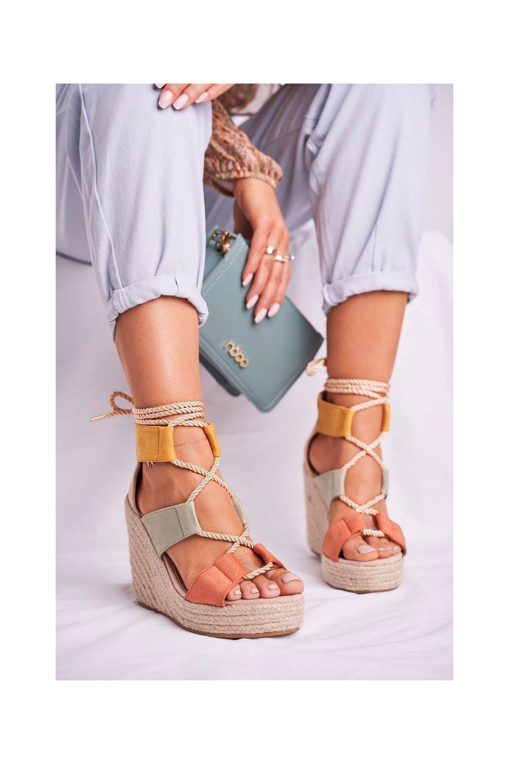 Dámske Sandále klíny Semišové vícebarevné Beautiful One