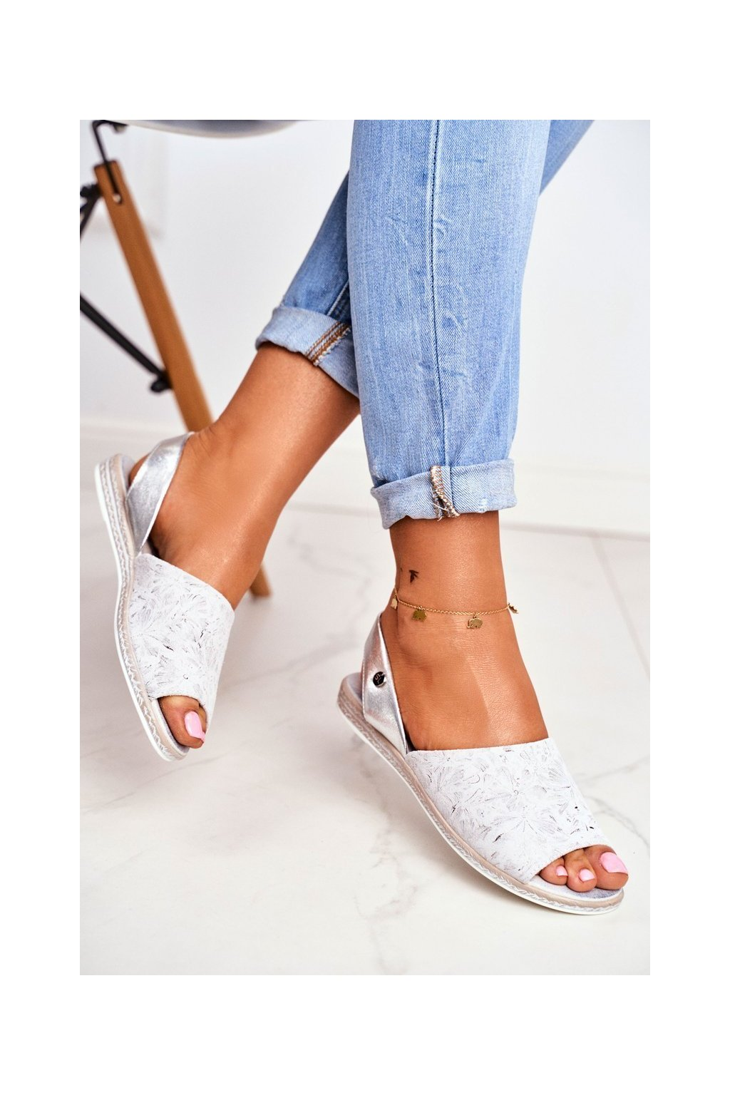 Dámske ploché sandále farba sivá kód obuvi SK030 GREY