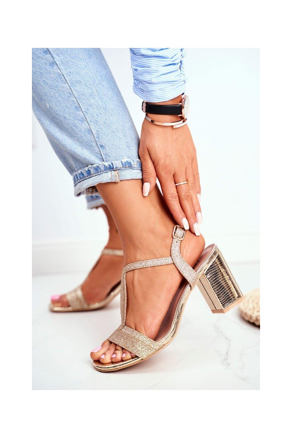 Dámske Sandále na podpätku Zlaté lesklé Perfecto