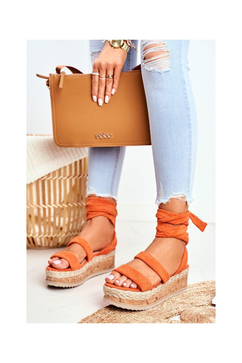 Dámske sandále na platforme farba oranžová kód obuvi 22-233 ORANGE