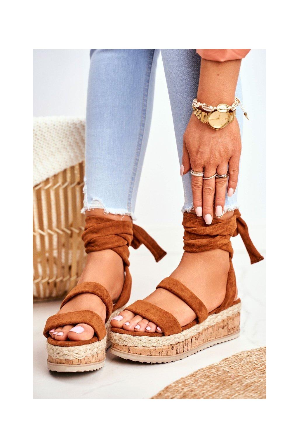 Dámske sandále na platforme farba hnedá kód obuvi 22-233 CAMEL