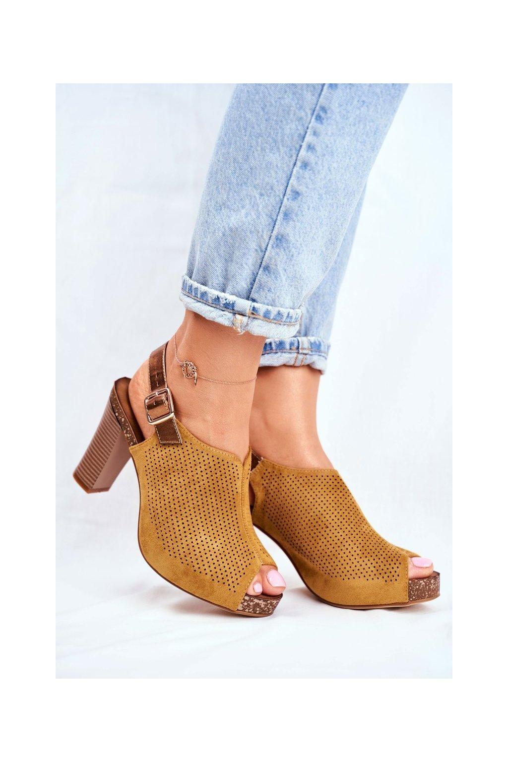 Dámske sandále na podpätku farba žltá kód obuvi SK855 YELLOW MIC